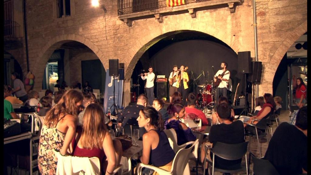L'Ateneu Bar inaugura oficialment la temporada amb un concert de La Folie