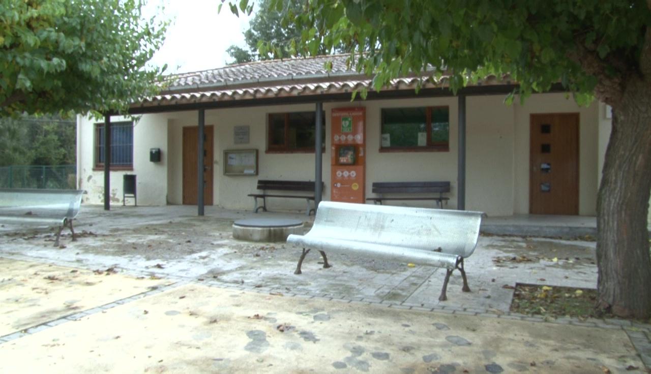 Sant Miquel de Campmajor arregla l'antiga escola, on s'hi ha instal·lat una ludoteca