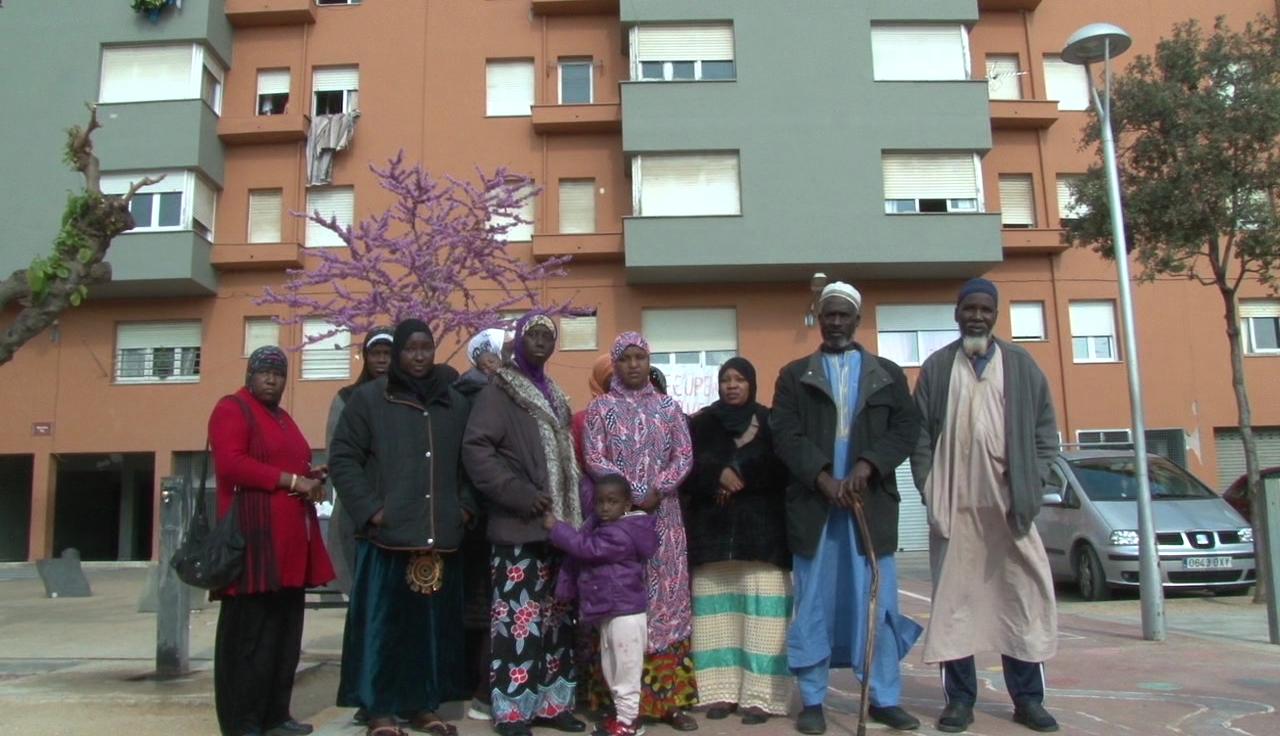 """La PAH Banyoles se suma a la campanya """"Viure no és delicte"""", contra la criminalització de l'ocupació de pisos"""