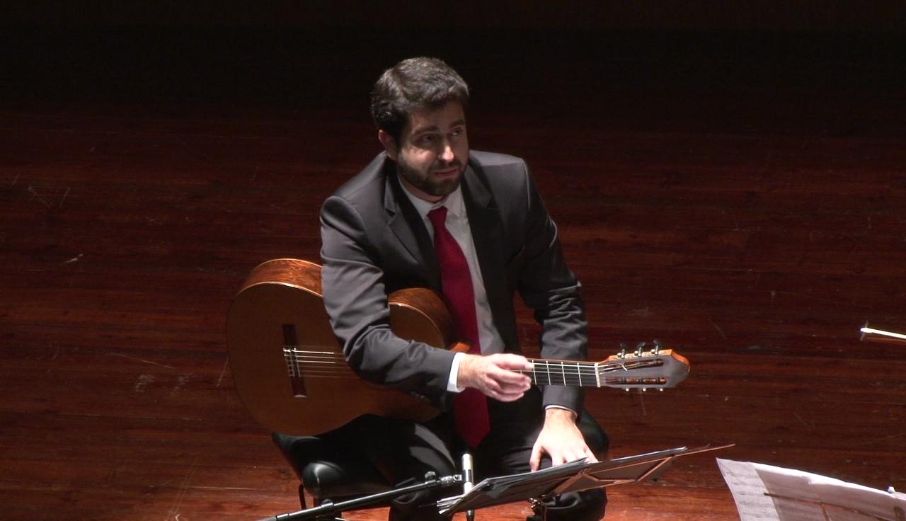 Rafael Aguirre torna a l'Auditori de l'Ateneu de Banyoles amb un recital en solitari