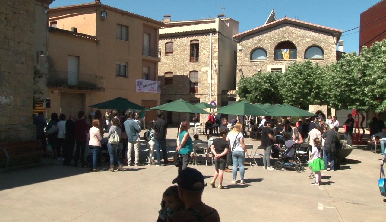 Serinyà homenatja la gent gran del municipi durant la Festa del Roser