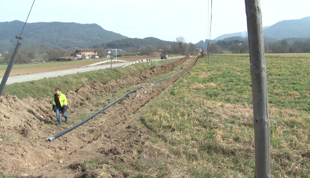 Les obres de la xarxa d'aigua de Sant Miquel de Campmajor arriben a la recta final